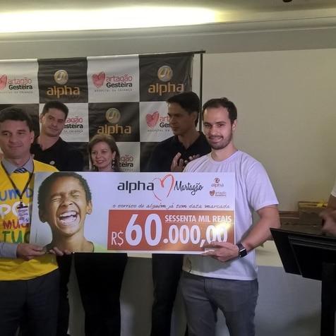 Rede Alpha Fitness faz entrega de doação de R$ 60 mil reais ao Hospital Martagão Gesteira