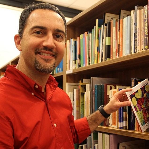 Escritor Augusto Cruz estreia como colunista na Revista Alpha
