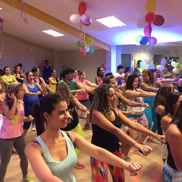 Dançar faz bem para a saúde física e emocional