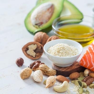 Consumir alguns tipos de gordura não faz mal à saúde, diz especialista