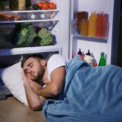 Boa alimentação e atividades físicas podem combater a INSÔNIA