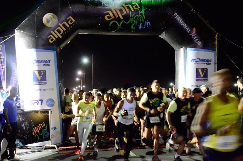 Alpha Night Run reúne 2 mil pessoas em Patamares