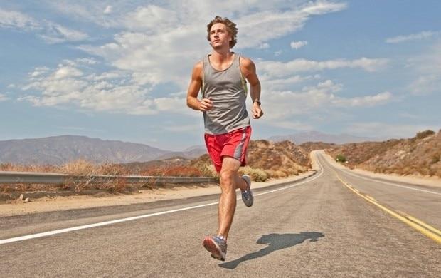 Correr a mais não é correr melhor, e o excesso aumenta risco de lesões