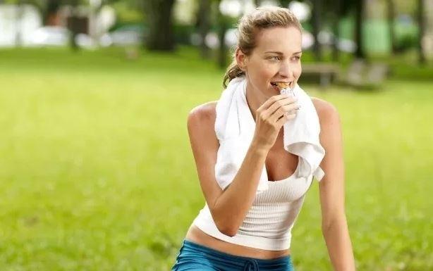 Treinar em jejum ajuda a emagrecer ou traz perigos para sua saúde?