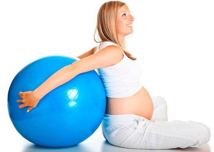 Praticar Pilates ajuda a gravidez